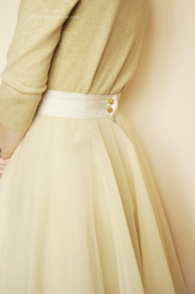 O tym, jak szyłam tiulową spódnicę, czyli kilka wskazówek jak okiełznać materię…